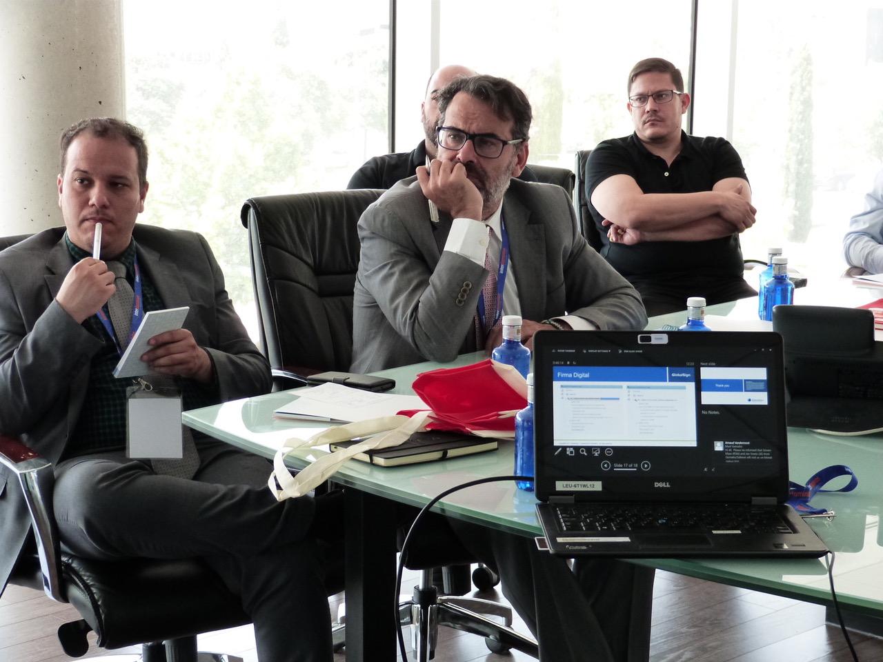 Sesión formativa en relación a lacertificación web, firma electrónica y firma de documentos