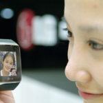 El teléfono de pulsera ya se comercializa en Corea